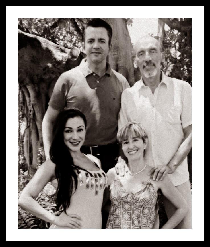"""Gran Estreno en Miami:  La Obra """"Perdidos en el Mar"""" Dirigida por el Dramaturgo Jorge Herrera"""