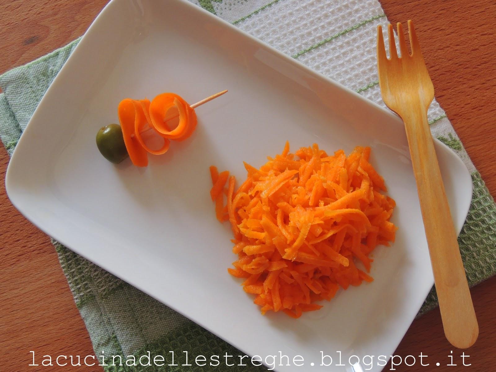La cucina delle streghe julienne di carote marinate for Taglio alla julienne