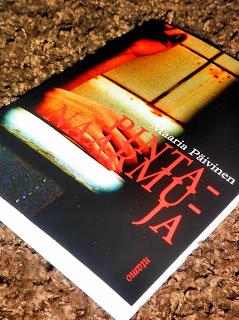 http://villasukkakirjahyllyssa.blogspot.fi/2013/03/maaria-paivinen-pintanaarmuja.html