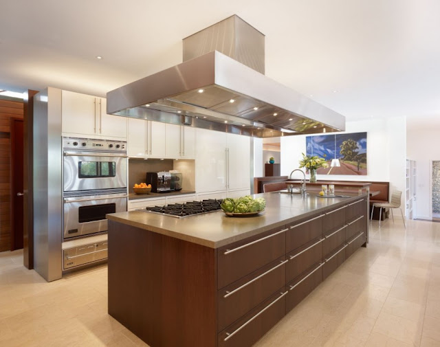 Large modern kitchen in the Mandeville Canyon Residence