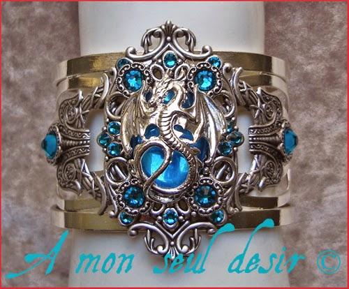 Bracelet Dragon bleu médiéval renaissance Game of Thrones Daenerys Targaryen strass Swarovski rhinestones medieval fantasy jewellery