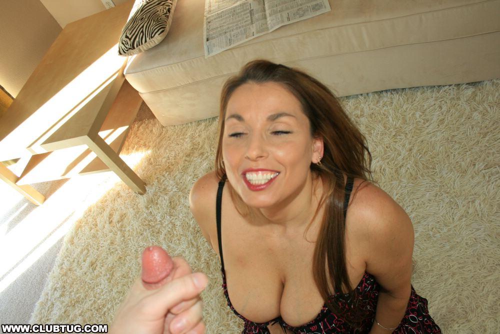 Brunette gives handjob moi