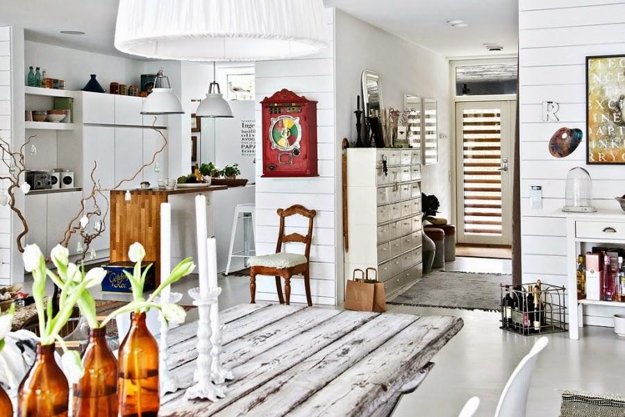 wystrój wnętrz, wnętrza, urządzanie mieszkania, dom, home decor, dekoracje, aranżacje, mieszanka stylów, białe wnętrza, otwarta przestrzeń, salon, jadalnia, kominek, piecyk, kuchnia