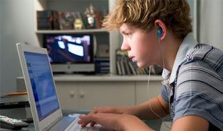 Tahukah Kamu Otak Remaja Pecandu Internet Cenderung Keriput - D-A. Blog