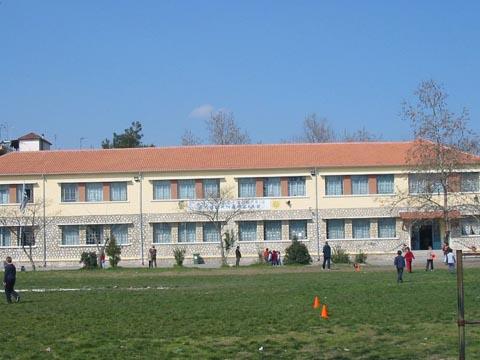 """Τ' αστέρια του Ε2 (1ο Δημοτικό Σχολείο Αλεξάνδρειας Ημαθίας) Ολοκληρώθηκαν τα γυρίσματα της ταινίας μας""""Η ΕΠΟΜΕΝΗ ΜΕΡΑ"""""""