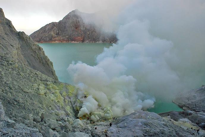 Cráter del volcán Ijén