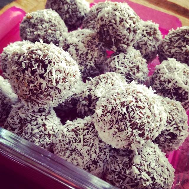 Energy Bliss Balls with Maca, Raw Cacao and Genuine Health Fermented Greens