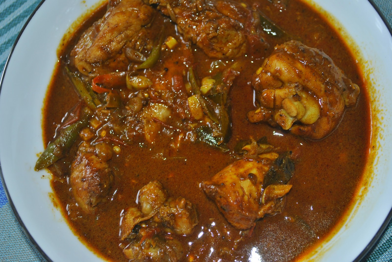 Craftiness Whatnot: Sri Lankan Chicken Curry
