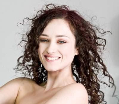 Model channel cut untuk rambut keriting