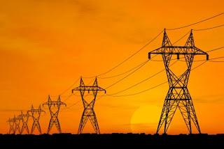 La presenza di linee elettriche aeree può essere causa di incidenti anche mortali, causati dal contatto accidentale