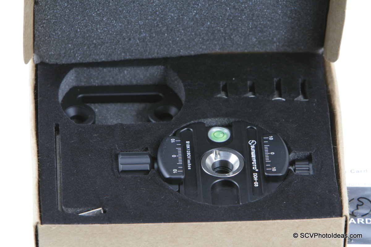 Sunwayfoto DDH-03 Panning Clamp in box layout