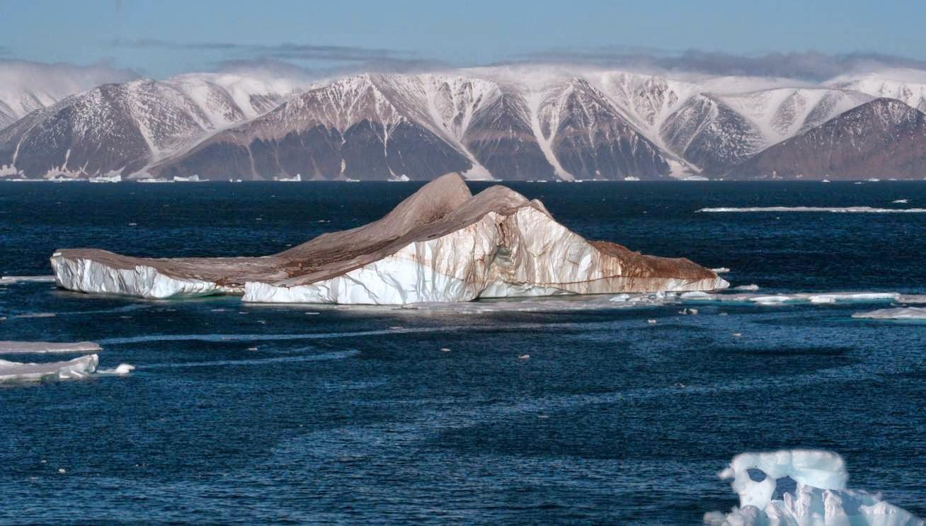 Masa de hielo en el oceano Artico