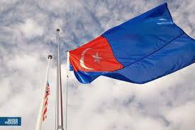 Bendera Johor separuh tiang MH370