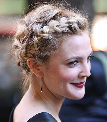 Echa un vistazo a los siguientes ejemplos de Elegantes Peinados con