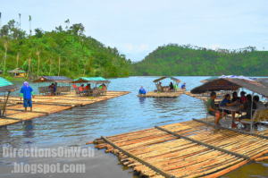 a bamboo raft has left for a tour of Lake Pandin