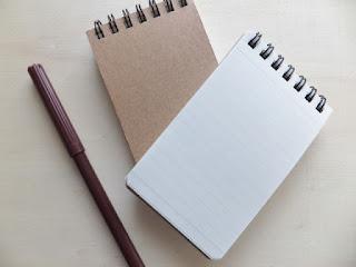 筆記具とメモ帳
