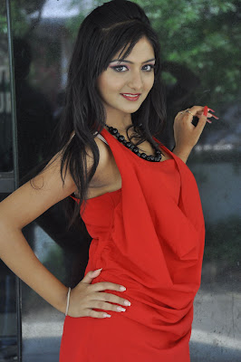 Red hot sexy exotic beauty Kushi mukerjee photos at donga prema movie opening