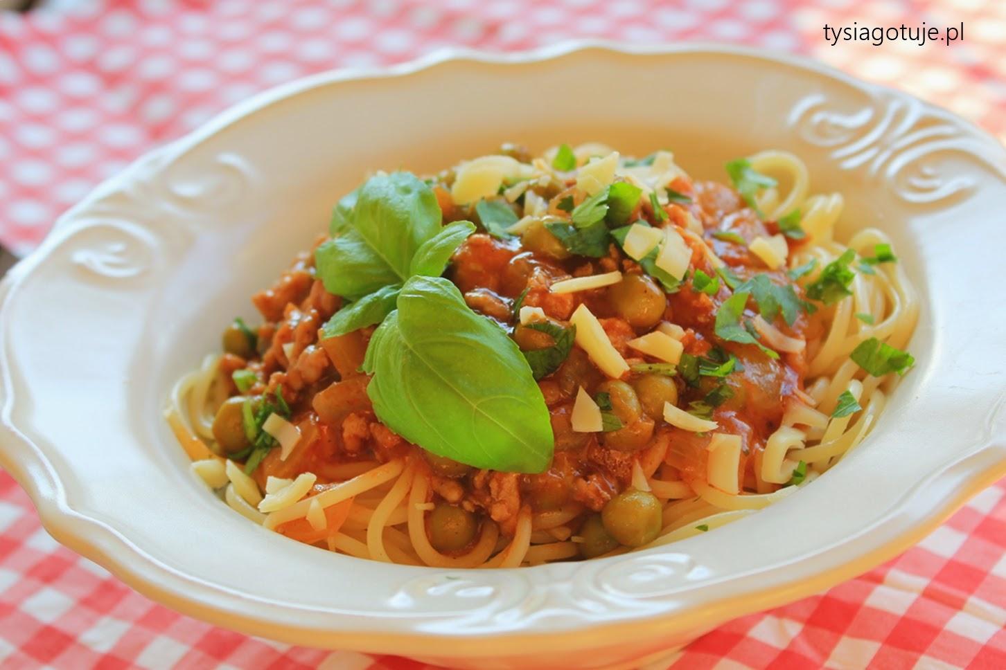 http://www.tysiagotuje.pl/2014/10/spaghetti-z-groszkiem-miesem-mielonym-i.html