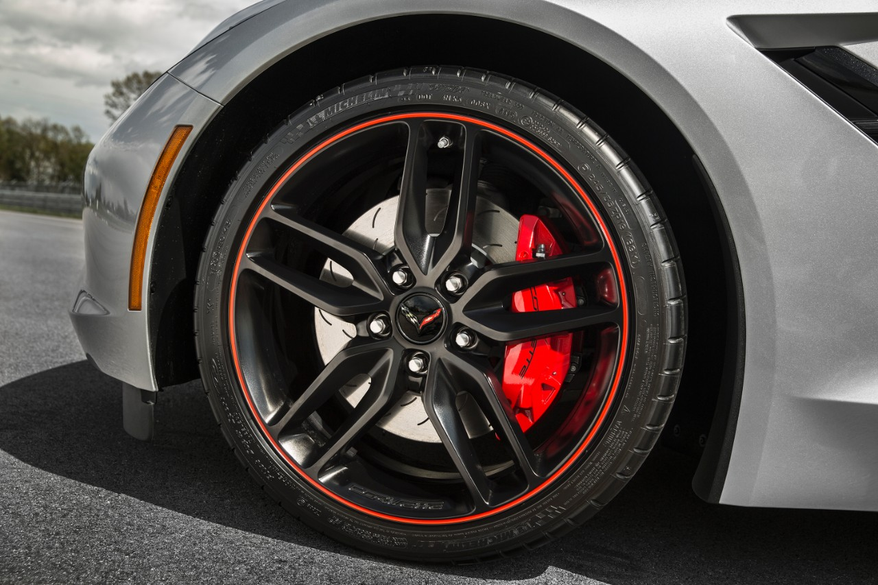 offered on 2016 corvette stingray and z06 the jet black suede design package features a unique jet black sueded microfiber interior - 2016 Corvette Stingray And Z06 Spice Red Design Package