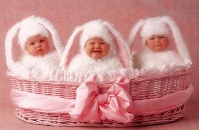 Feliz Páscoa com bebes fofos