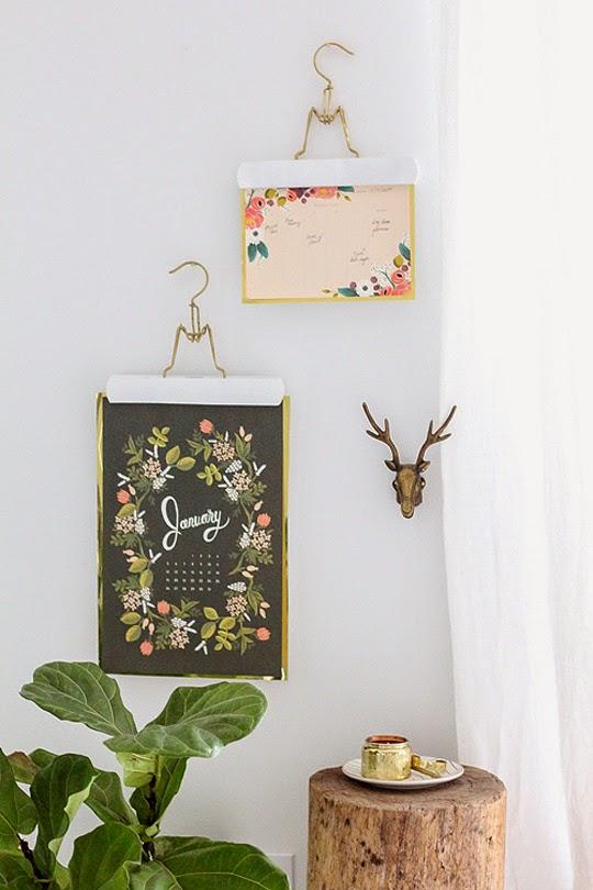 Reutiliza las perchas small lowcost decoraci n - Perchas pared originales ...