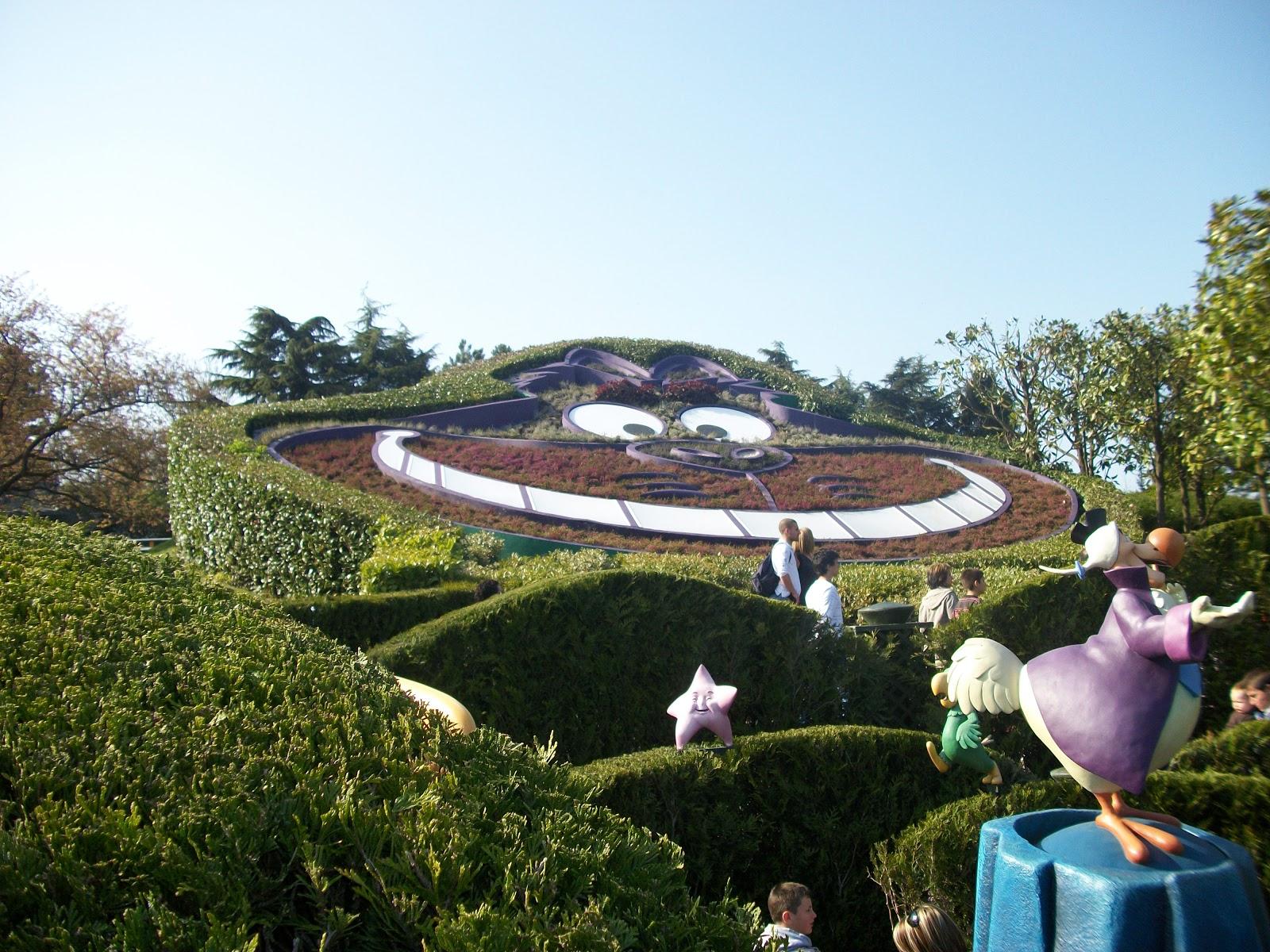 Place disney alice 39 s curious labyrinth fantasyland for Jardin walt disney