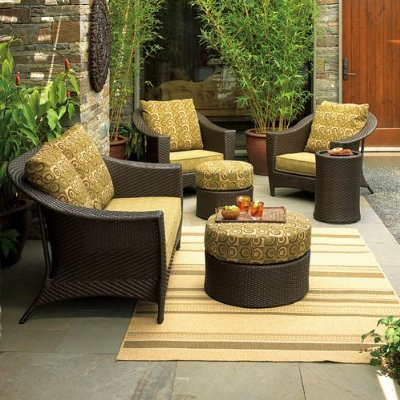 Quality Silk Plants Blog: Decorating Your Outdoor Space: Tips and Ideas
