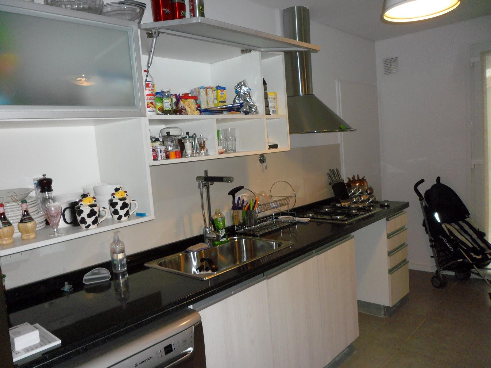 Cocina en teka artico sandra sturm interiores - Cocina encimera teka 4 platos ...