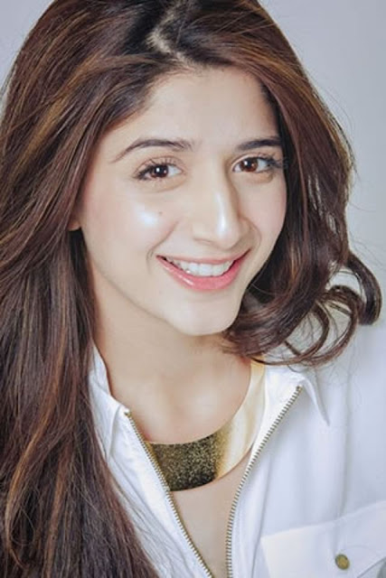 Beautiful Mawra Hocane HD Wallpaper
