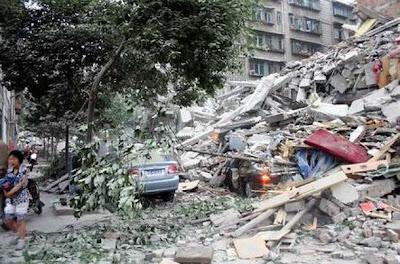 TERREMOTO EN CHINA DEJA AL MENOS 156 MUERTOS Y MAS DE 3000 HERIDOS - 20 DE ABRIL 2013