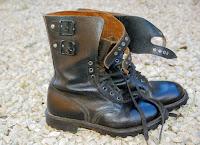 Πώς γυαλίζουμε τα δερμάτινα παπούτσια σε περίπτωση που δεν έχουμε γυαλιστικό;