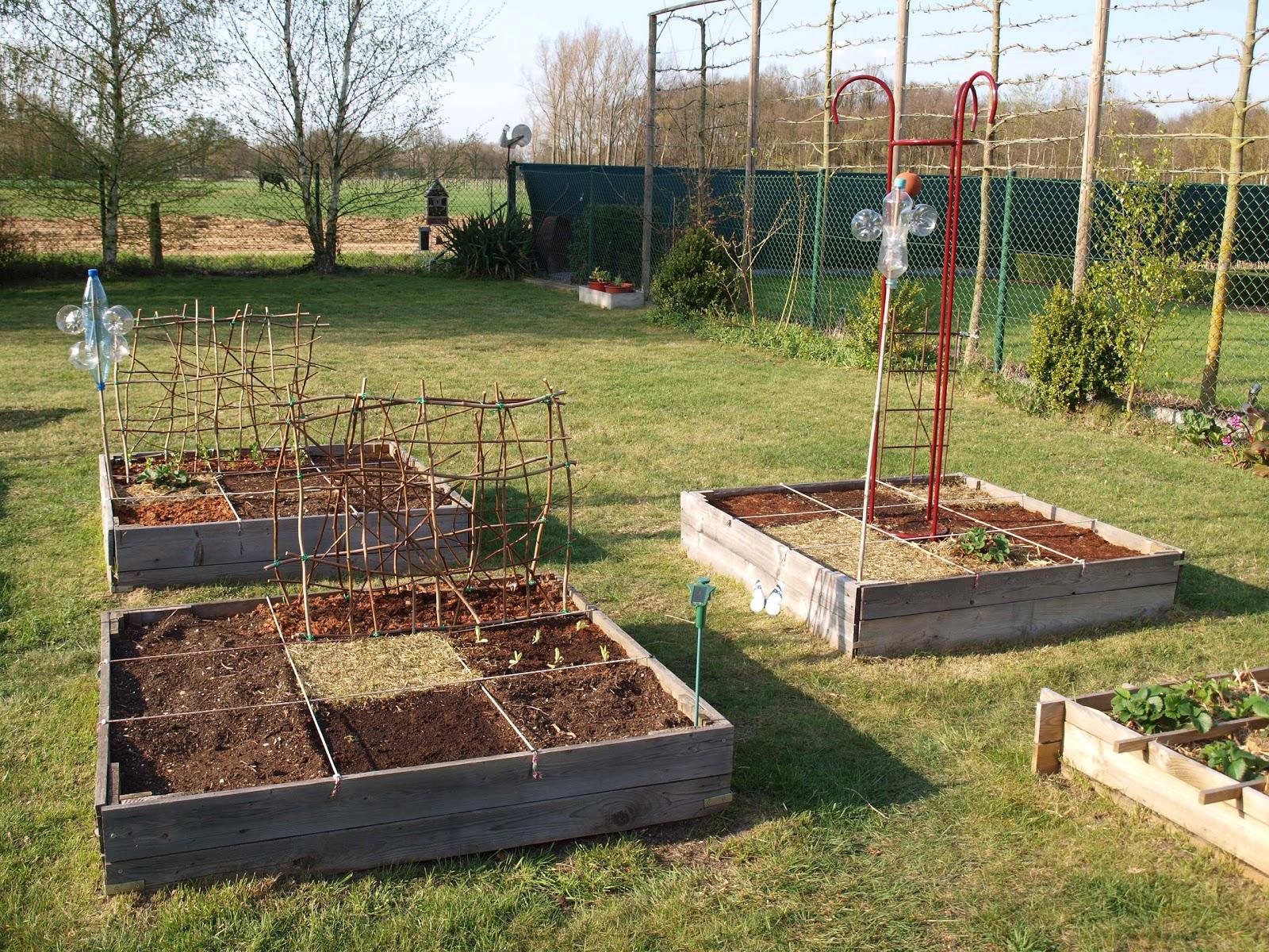 Vierkante Meter Tuin : Stadstuin plantenbakken van steigerhout met vakverdeling