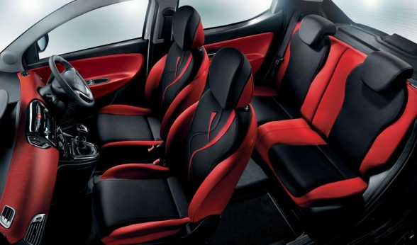 daily car pictures 2012 chrysler ypsilon black red. Black Bedroom Furniture Sets. Home Design Ideas