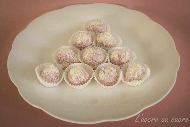 boules de coco/framboises dans recettes sucrées IMG_3597