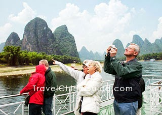 Photography in Li River Cruise