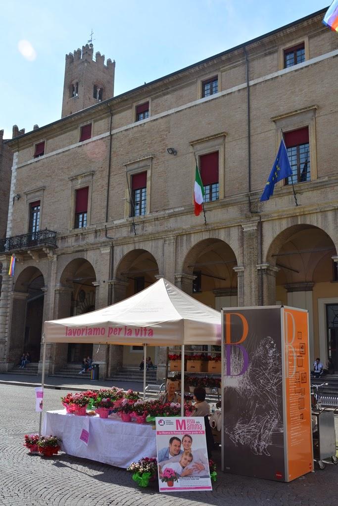 Piazza Cavour Rimini charity