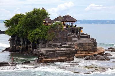 5 Tempat Wisata Yang Terlarang Bagi Pasangan Kekasih