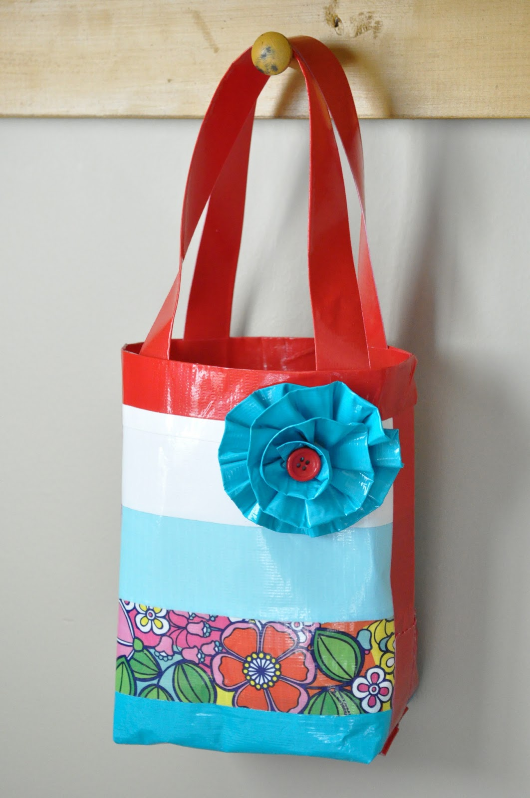 Duck tape bag tutorial girls camp craft little birdie for Easy crafts for girls