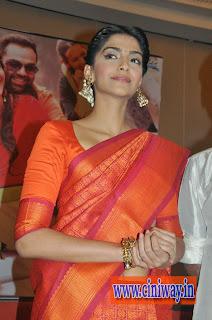Ambikapathy-Heroine-Sonam-Kapoor