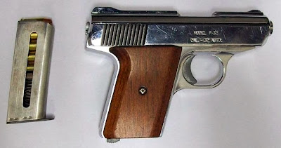 Loaded Pistol Discovered in Carry-on Bag (TYS)