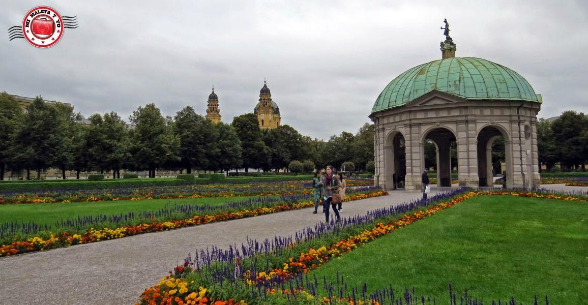 Munich - Templo de Diana en Hofgarten
