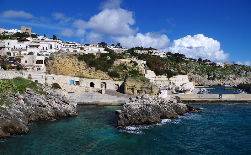 Blick auf den Hafen von Castro Marina (Salento - Apulien)