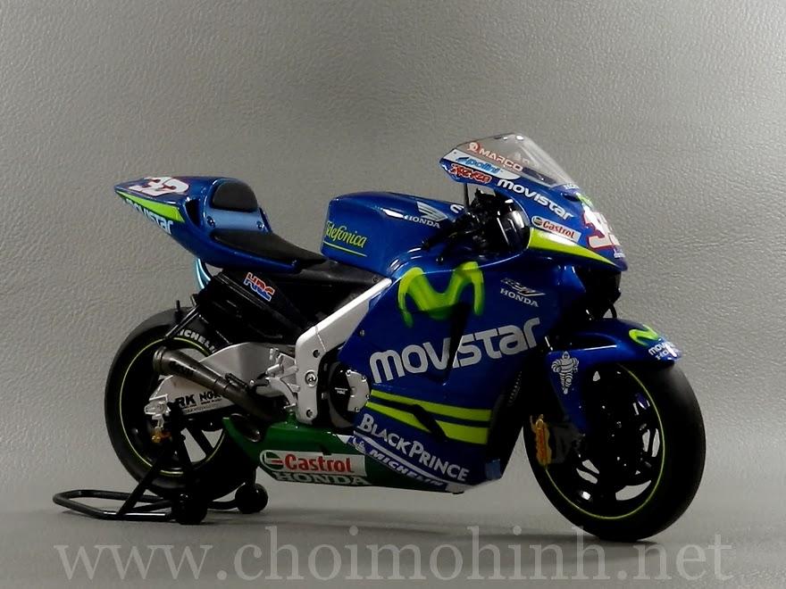Mô hình MotoGP 500cc Honda RC211V Movistar 1:9 Protar