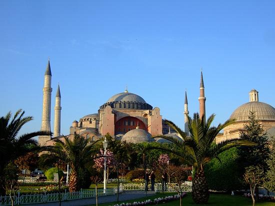 exterior cc phool4xc أيـا صوفيا كنيسة ثم مسجد واخيرا متحف ! بالفيديوا و الصور