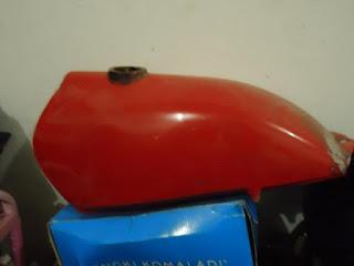 Warna Merah Cat Tangki Motor CB 100