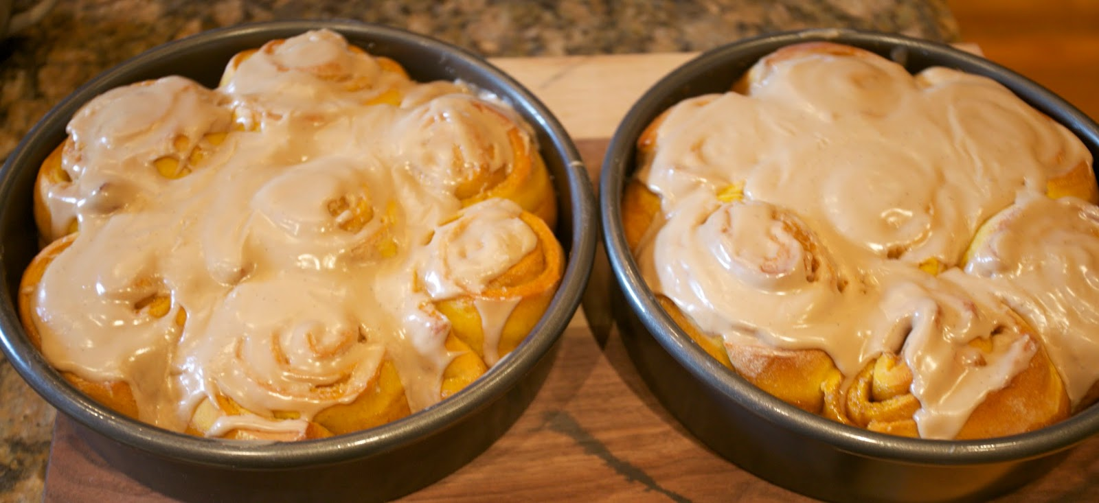 Octoberfarm: Pumpkin Cinnamon Rolls with Maple Frosting