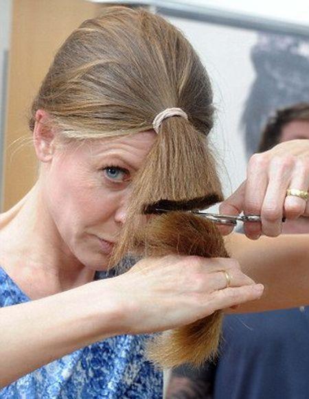 Tips Cara Menumbuhkan Rambut Dengan Cepat, Menumbuhkan Rambut Rontok ...