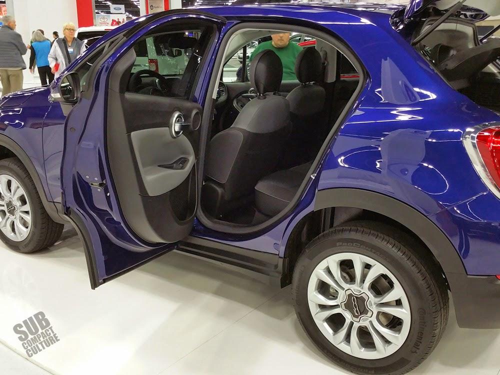 Fiat 500X side door