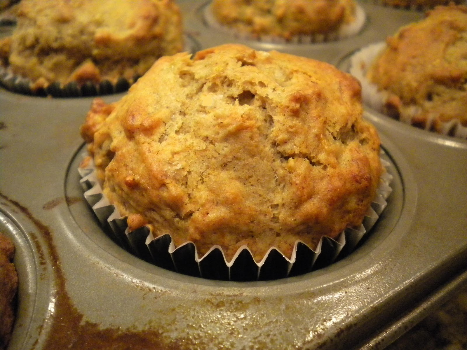 Step by Step Gourmet: Banana Nut Muffins
