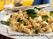 Cestoviny s kuracím mäsom a brokolicou - recept